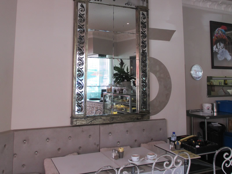 mirror hanging restaurant fitout sunshine coast